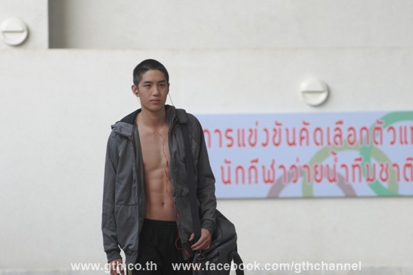 the swimmers image 02