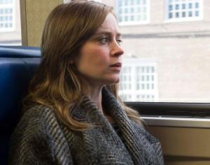 girl on train pic 03