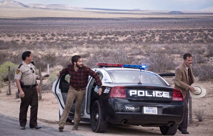 Academy Award nominees Jake Gyllenhaal and Michael Shannon star as Tony Hastings and Bobby Andes in writer/director Tom Ford's romantic thriller NOCTURNAL ANIMALS, a Focus Features release. Credit: Merrick Morton/Focus Features