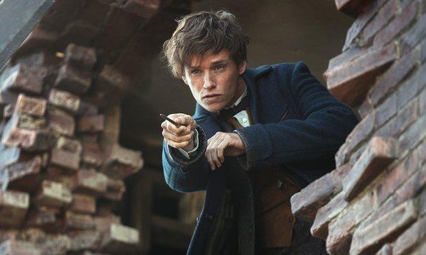 Fantastic Beasts 2 ตามหานักแสดงวัยรุ่นรับบทดัมเบอร์ดอร์และกรินเดลวัลด์ |  JEDIYUTH